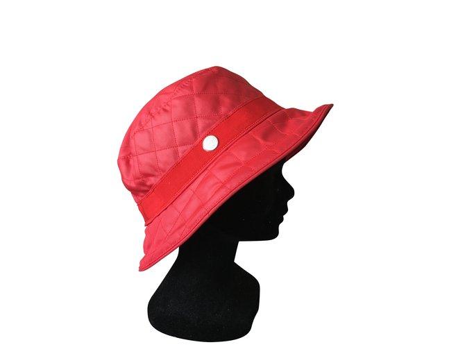 Chapeaux Hermès chapeau de pkuie Polyester Rouge ref.106860