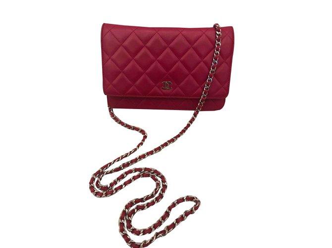 Sacs à main Chanel Woc Cuir Rouge ref.106890
