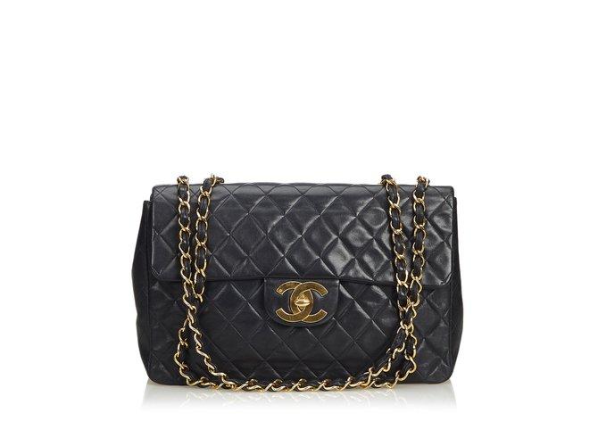 Sacs à main Chanel Sac à rabat simple en cuir d'agneau Maxi classique Cuir Noir ref.106974