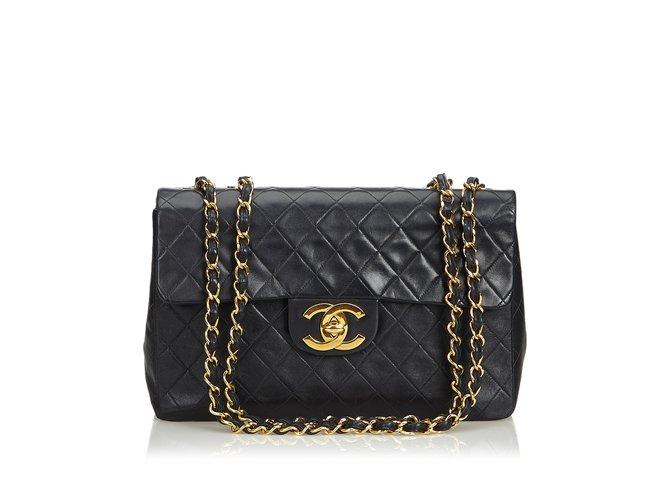 Sacs à main Chanel Sac à rabat simple en cuir d'agneau Maxi classique Cuir Noir ref.106988