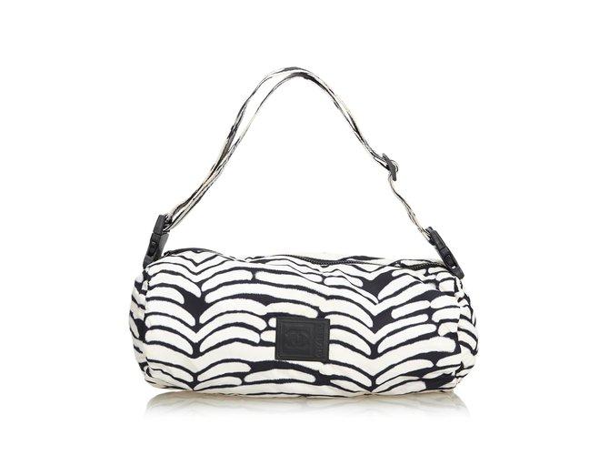Sacs à main Chanel Sac à bandoulière en nylon Nylon,Tissu Noir,Blanc ref.107008