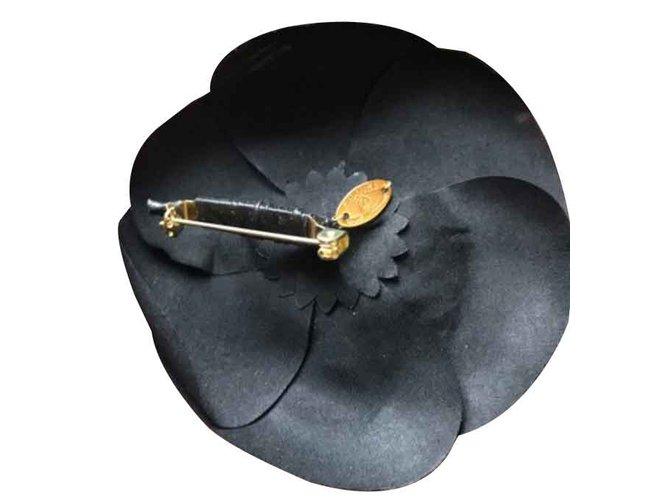 Colliers Chanel Colliers Soie Noir ref.107089