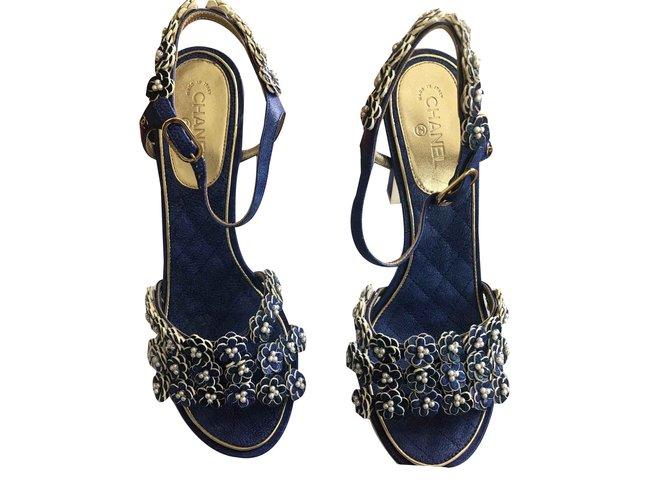 Escarpins Chanel Talons Cuir Bleu ref.107268