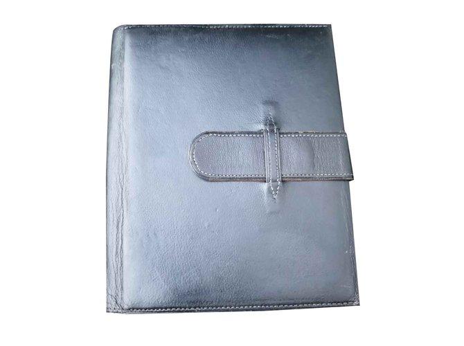 Petite maroquinerie homme Hermès Porte document portefeuille Hermès vintage  cuir d agneau Noir ref. 663cf1c3a7e