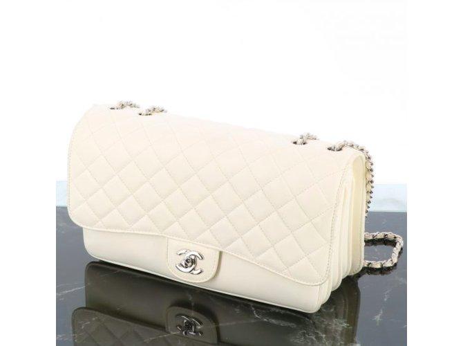 Sacs à main Chanel Chanel Timeless Soufflet Cuir Blanc ref.110304