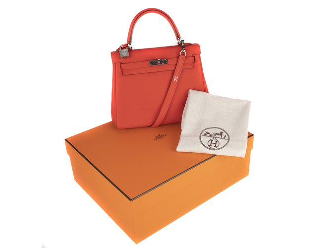 31c975a4752d Hermès Superb Hermes Kelly 25 Togo red leather