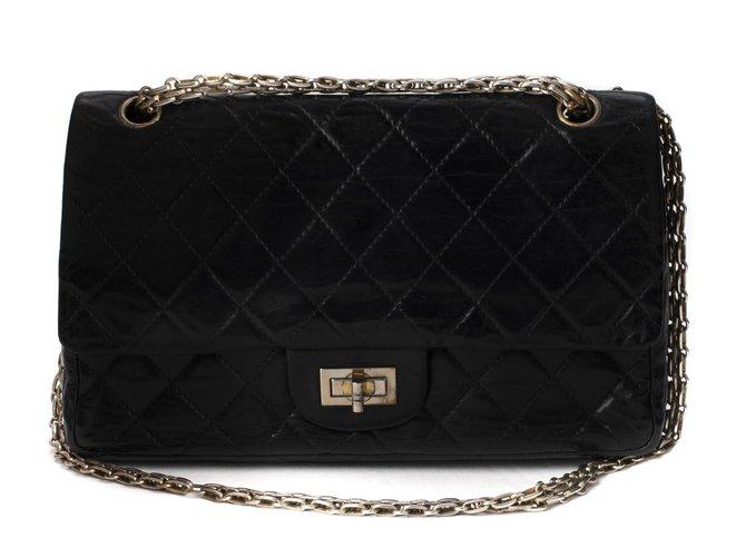 Sacs à main Chanel Sac Chanel 2.55 vintage en cuir matelassé noir en bon état général ! Cuir Noir ref.111240