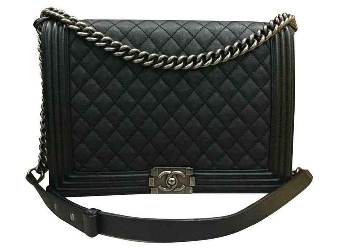 Chanel Boy Handbags Lambskin Black ref.111812