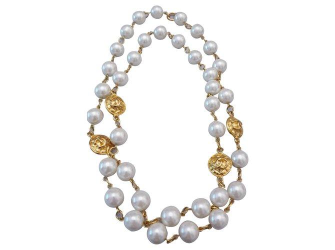 c42f020e136 Colliers Chanel Collier Vintage Chanel en plaqué or y perle Perle ...