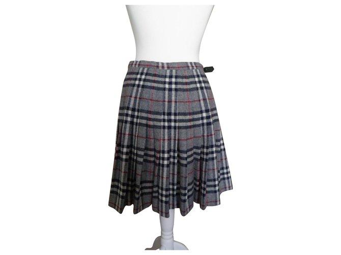 Burberry kilt Skirts Wool Grey ref.113318