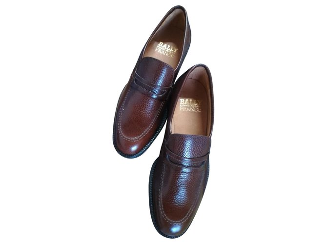 bally slip on loafers
