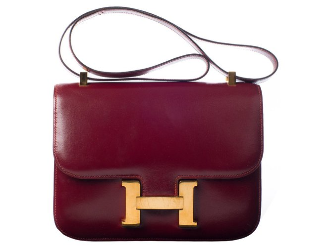 Hermès Prächtige Hermes Constance Burgund Lederbox in sehr gutem Zustand! Handtaschen Leder Bordeaux ref.115450
