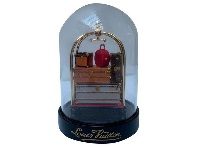 Décoration divers Louis Vuitton Exclusif VIP: Boule de neige chariot d'hôtel Autre Marron,Rouge ref.115930