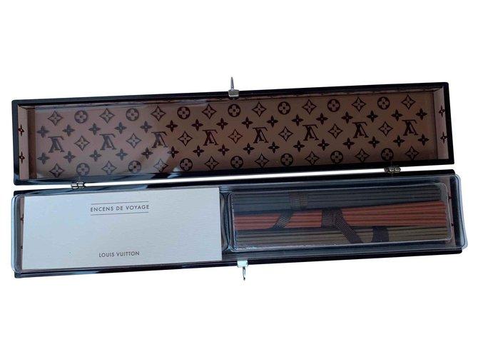 Décoration divers Louis Vuitton Coffret d'encens de voyage Louis Vuitton Autre Marron ref.115931