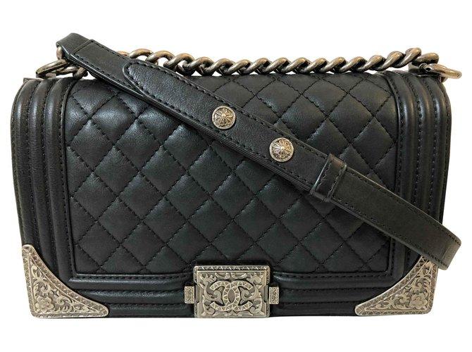 Chanel Boy Chanel Medium Quilted Flap Bag Handbags Leather Black ref.117224