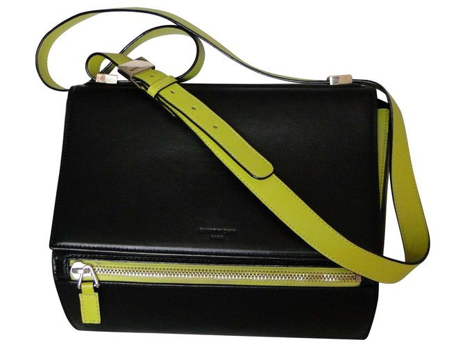 dac8644f3c3 Givenchy Pandora Box Medium - Single Model Handbags Leather Black ref.117602