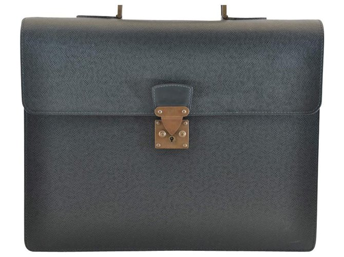 5b88582d279e Louis Vuitton Louis Vuitton Taiga Business Bag Misc Leather Green ref.118685