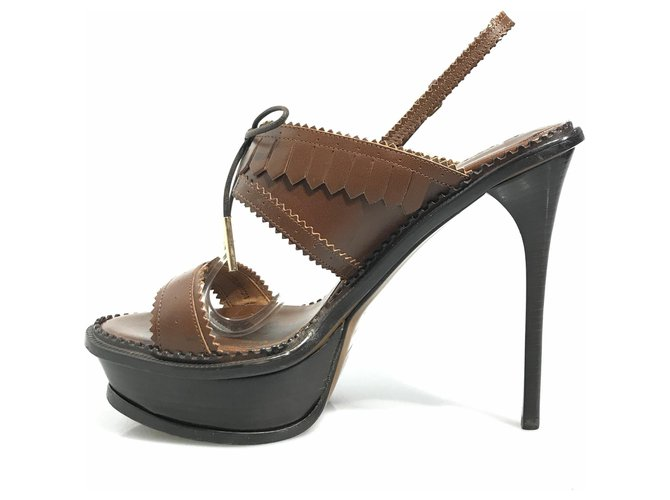 Burberry Burberry Brown Leather Brogued Slingback Sandal Heels Leather,Other Brown,Dark brown ref.119607