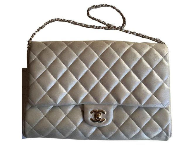 Chanel Classic Timeless Handbags Leather Beige ref.119652