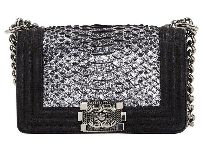 Sacs à main Chanel CHANEL BOY PYTHON RARE ! Cuirs exotiques,Python Noir,Argenté ref.120421