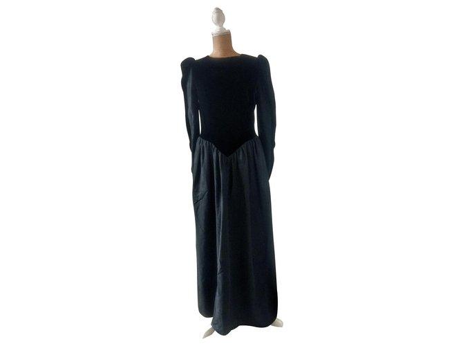 74131fe75484 Guy Laroche Long dress Dresses Synthetic Black ref.120427 - Joli Closet