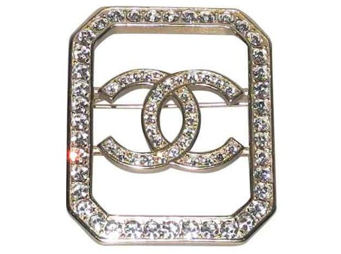 Chanel Chanel brooch gold metal and rhinestones, Collection 2018 superb Pins & brooches Metal Golden ref.120792