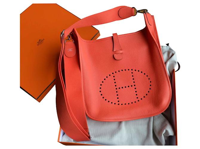 Sacs à main Hermès Sac Hermès Evelyne III 29 en taurillon Maurice Capucine Cuir,Toile Rouge,Orange,Corail ref.120973