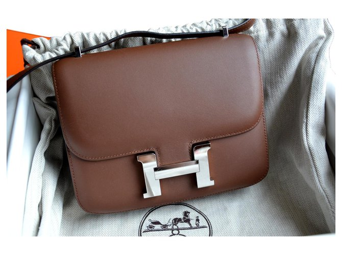 Hermès Hermes bag Constance 18 in cuir Cacao Hat Handbags Leather Brown,Silvery,Dark brown ref.121200