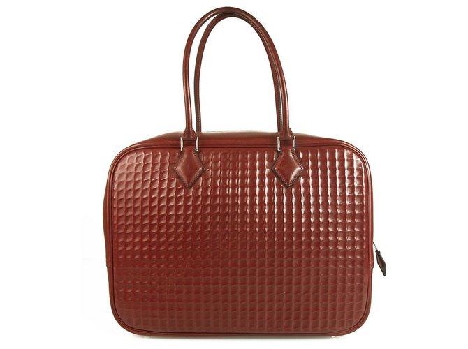 Sacs à main Hermès Plume 32Sac vintage en cuir bordeaux vintage Cuir Rouge ref.122110