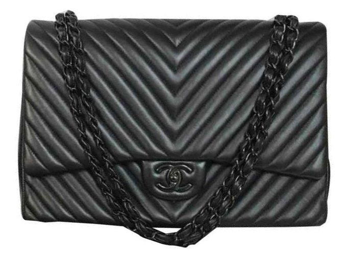 3e4bda1df2c4 Chanel SO Black with chevron Handbags Leather Black ref.122827 ...