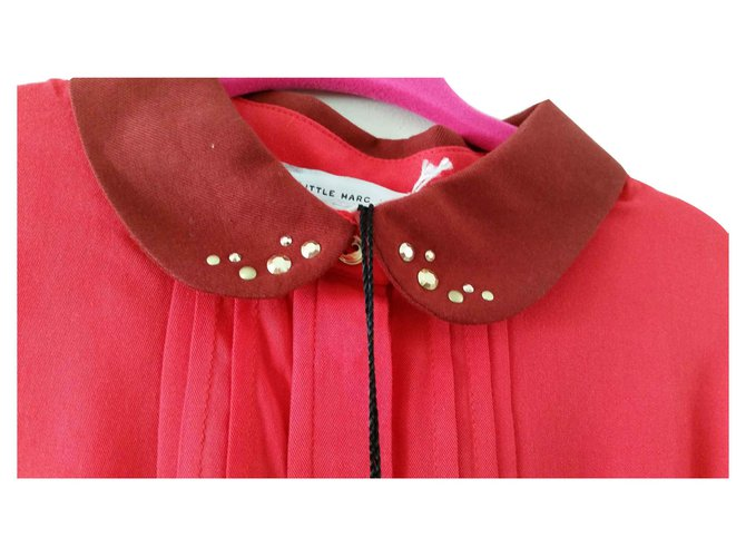 Marc Jacobs Little Marc Jacob Blouse bright red plisse , collar with golden patterns on the collar , Tops Tees Viscose Red ref.123006