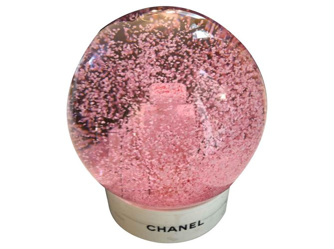 Chanel Chanel snow globe Misc Glass Pink,White ref.123718
