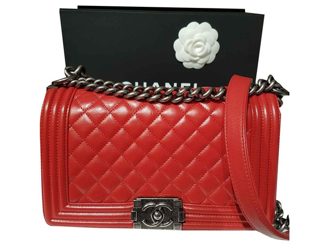 Chanel Chanel Boy Handbags Leather Red ref.124287