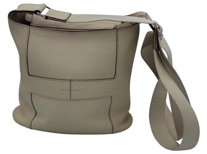 Hermès Good news Handbags Leather Beige ref.124663