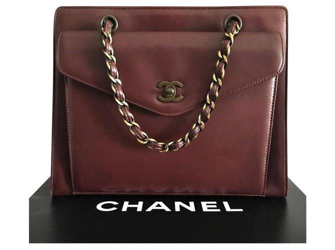 Sacs à main Chanel Sac vintage Chanel Bordeaux avec GHW Cuir Bordeaux ref.124678
