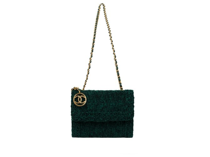 b7b31242b13c Chanel Beautiful Chanel evening bag in velvet and green leather in very  good condition! Handbags