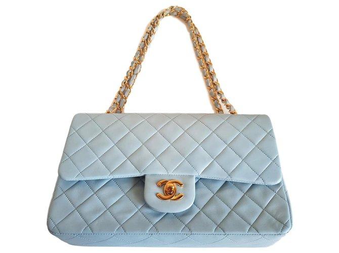 Sacs à main Chanel timeless Cuir d'agneau Bleu clair ref.126158