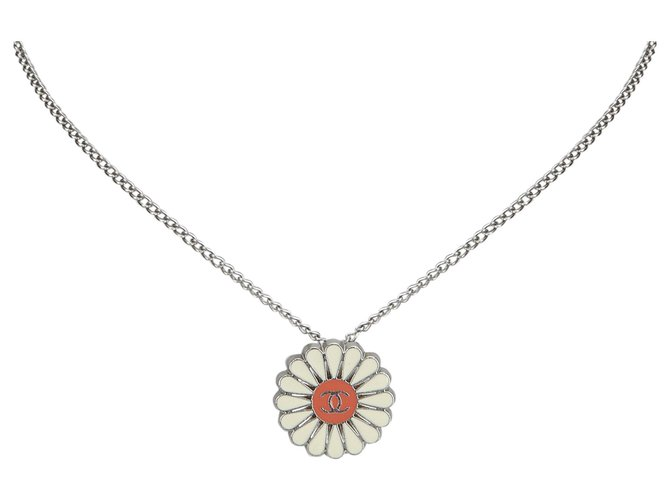 Chanel Chanel Silver Floral CC Metallic Necklace Misc Other,Metal Silvery,Multiple colors ref.126306