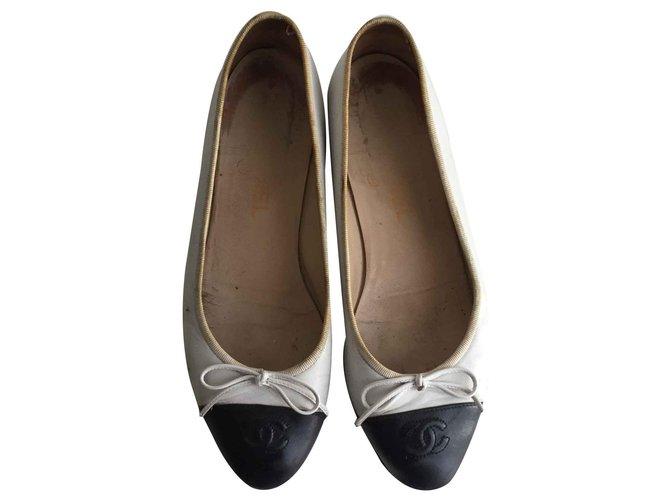 Chanel Ballet flats Ballet flats Leather Black ref.126774