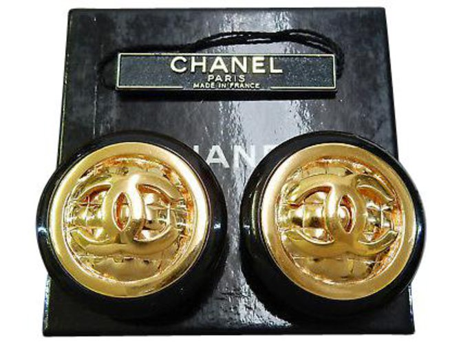 Chanel Chanel Clip-on Vintage CC Earrings Plastic Golden ref.126776