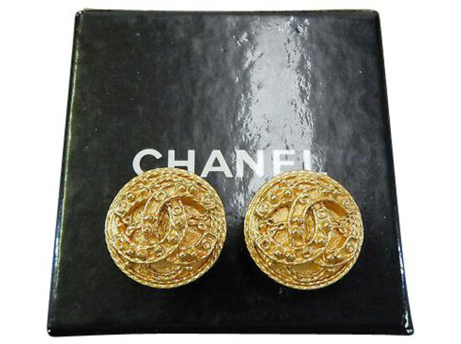 Chanel Chanel Clip-on Vintage CC Earrings Yellow gold Golden ref.126781