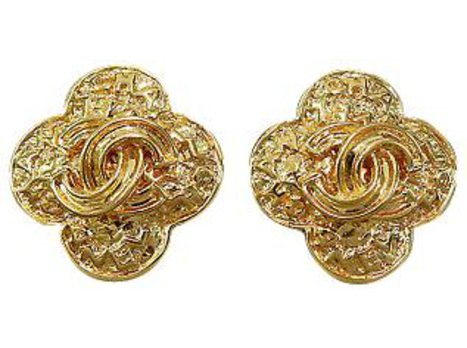 Chanel Chanel Clip-on Vintage CC Earrings Yellow gold Golden ref.126784