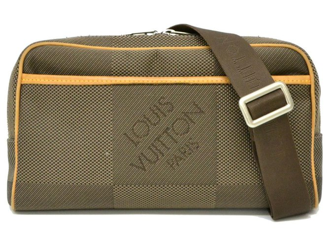 Louis Vuitton Louis Vuitton Crossbody Bag Misc Cloth Silvery ref.126820