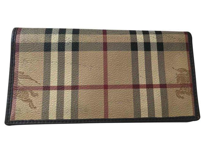 Burberry Wallets Wallets Leather Brown,Beige ref.128720