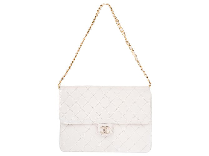 3d2f0be6262233 Chanel Vintage Timeless Chanel Clutch bag in white quilted leather in good  condition! Handbags Leather