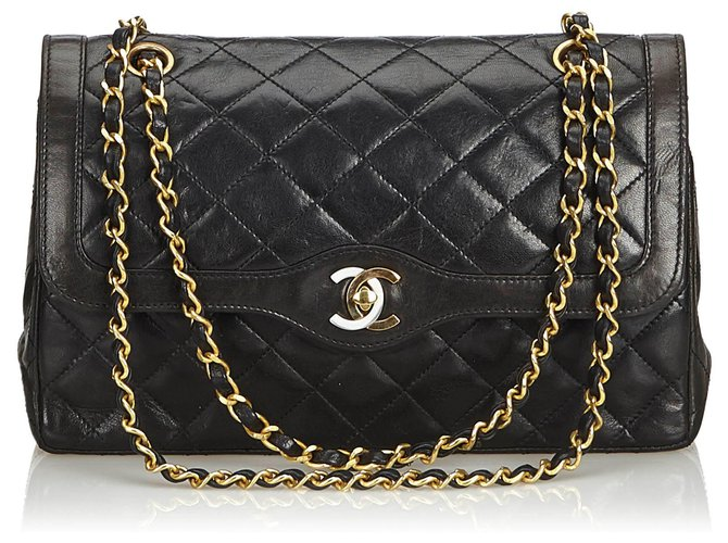 Chanel Chanel Black Medium Lambskin lined Flap Bag Handbags Leather Black ref.129382