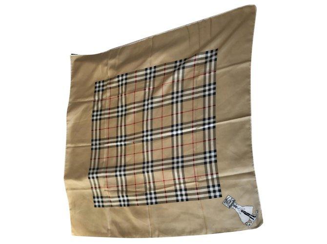 Burberry Scarves Scarves Silk Beige ref.130142