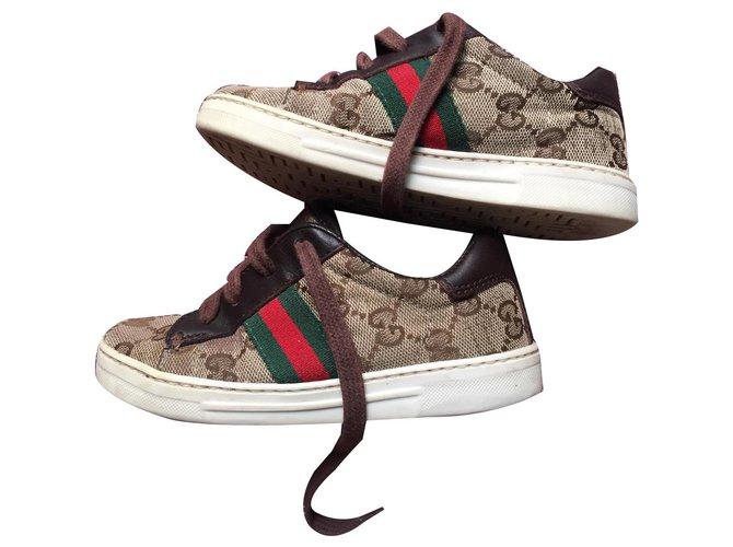 Baskets enfant Gucci chaussures enfants Gucci Toile Marron ref.131240