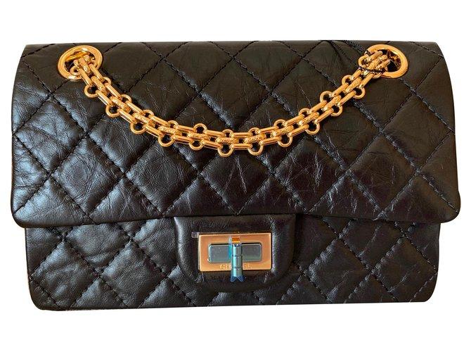 Sacs à main Chanel nero 2.55 Réédition du sac à rabat simple matelassé Cuir Noir ref.131320