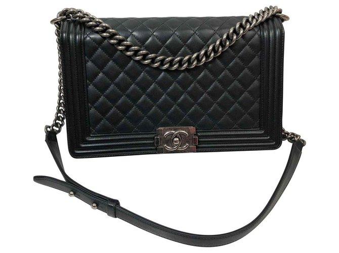 Chanel Boy Handbags Leather Black ref.131763
